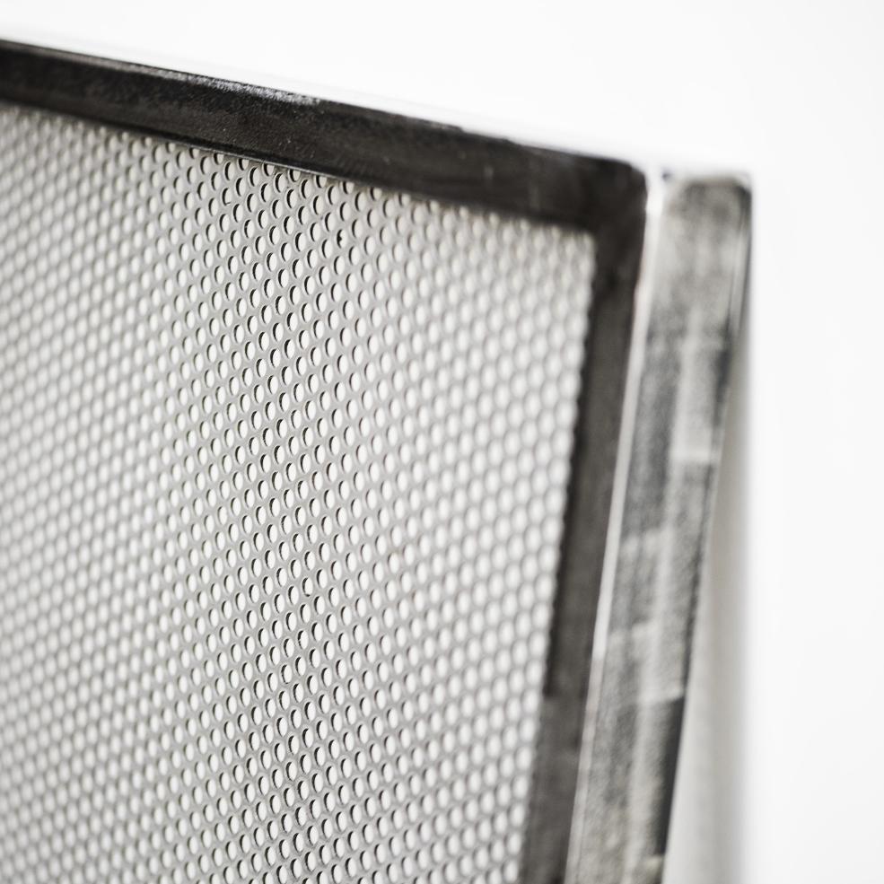 cadre porte photo industriel vancouver en t le perfor e petits cercles. Black Bedroom Furniture Sets. Home Design Ideas