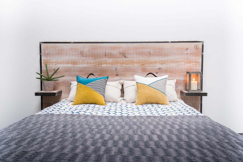 t te de lit gatineau avec tag res int gr es lit 180cm. Black Bedroom Furniture Sets. Home Design Ideas